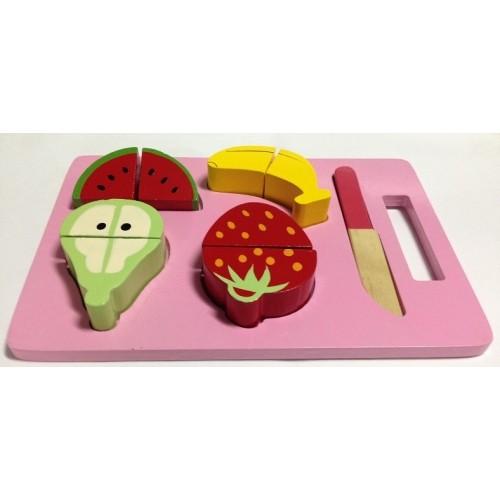 Нарезные фрукты на подносе