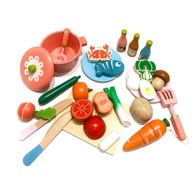 Набор разрезных продуктов + кастрюлька (дерево)